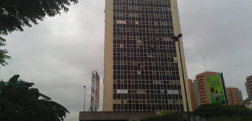 💎 EI200. Local Comercial en Torre Exterior
