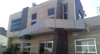💎 EI400. Amplia Casa adaptada para Consultorios