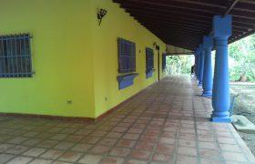 🍀 EI230. Finca en Tucacas con excelente ubicación