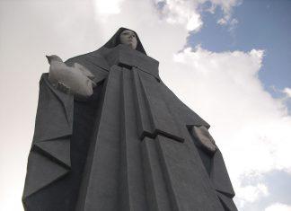 Monumento a la virgen de la paz