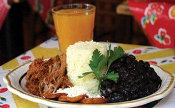 Comida típica. Pabellón Criollo
